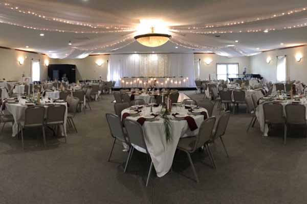 fancy wedding set up at Radnor Ohio banquet facility